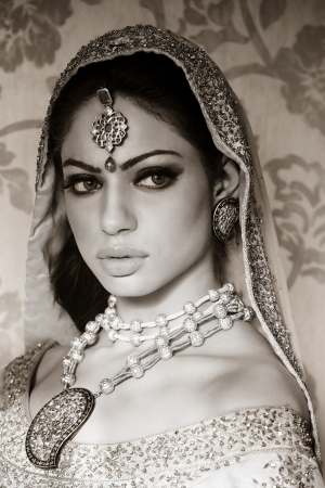 portrait d'une belle mari�e indienne photo
