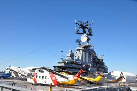 intrepid: Helicopters on the Intrepid Sea, Air and Space Museum