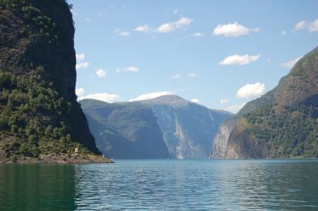 the deepest: El Sognefjord, el fiordo m�s largo y profundo de Noruega.