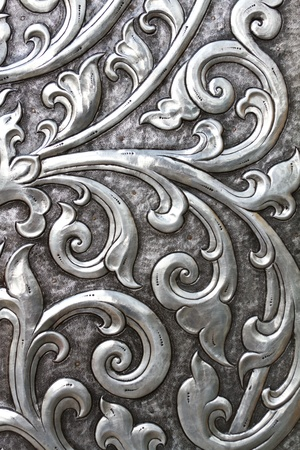 金属製のエンボス加工銀のドア 写真素材