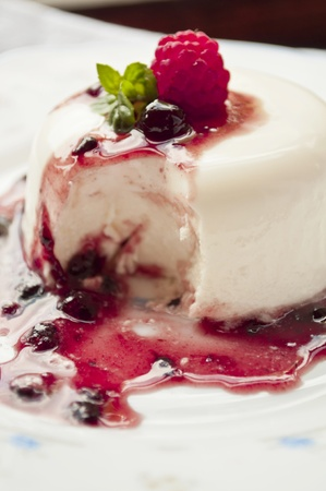 pannacotta: italian panna cotta dessert with fresh berries