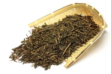 Questo � chiamato il t� arrosto in una foglia di t� giapponese
