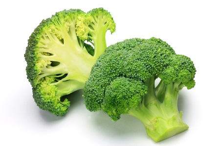 Ho preso un broccoli in uno sfondo bianco