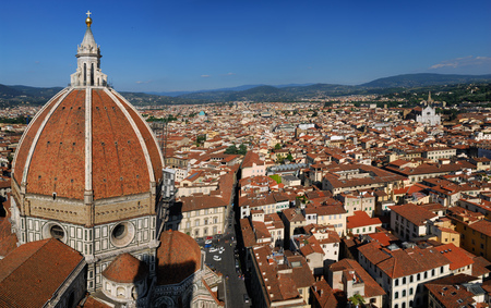 Panorama of eastern Florence with the Duomo dome and Santa Croce basilicas LANG_EVOIMAGES