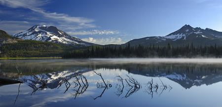 Morning mist on Sparks Lake with South Sister and Broken Top mountains LANG_EVOIMAGES