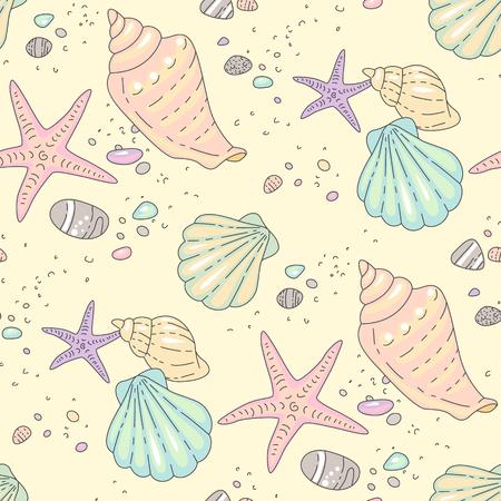 Conchiglie multicolori, stelle marine e ciottoli sulla spiaggia di sabbia. Illustrazione di stile cartone animato su sfondo giallo. Modello senza cuciture per tessile e design