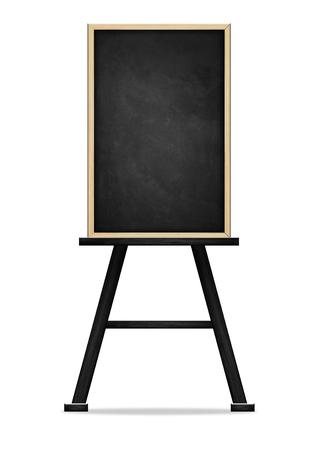 Leere schwarze Tafel auf weißem Hintergrund, leere Tafel mit Holzrahmen isoliert auf weißem Hintergrund mit Beschneidungspfad. Standard-Bild