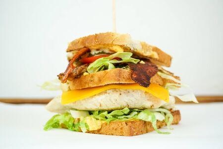 Sandwich sur une table de restaurant