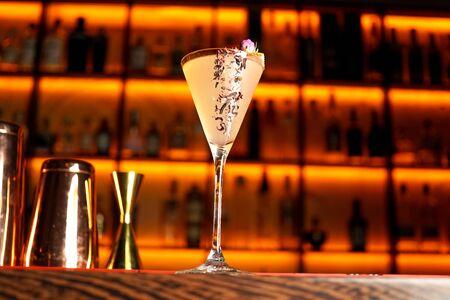 Cocktail on a restaurant table Zdjęcie Seryjne