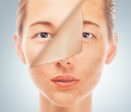 Portret van mooie vrouw met een nieuwe gladde huid na cosmetische procedure, concept van schoonheid en huidverzorging Stockfoto