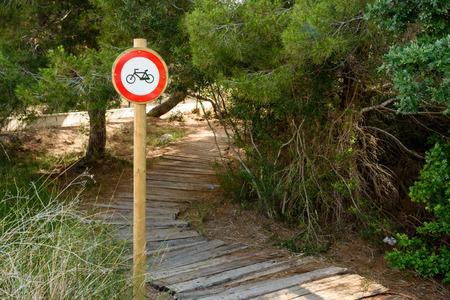 prohibido el paso: Ninguna señal de infracción con bicicletas