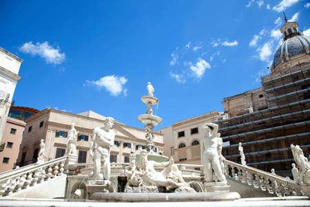 palermo italy: Fontana delle Vergogne in Piazza Pretoria in Palermo of Sicily, Italy