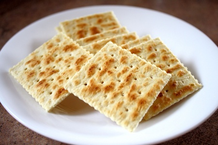crackers: Saltine Crackers
