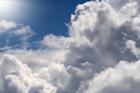 cumulus cloud: Belle nuvole con Shining Light Archivio Fotografico