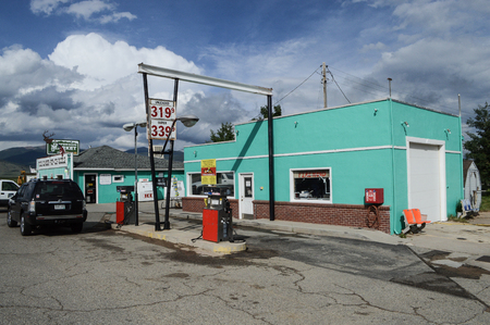 industrial wasteland: Gas Station, Colorado