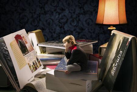boudoir: books,reading,boy,comic,boy reading,boudoir