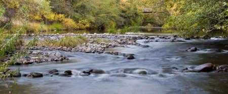 flowing river: Flowing River in Fall Foto de archivo
