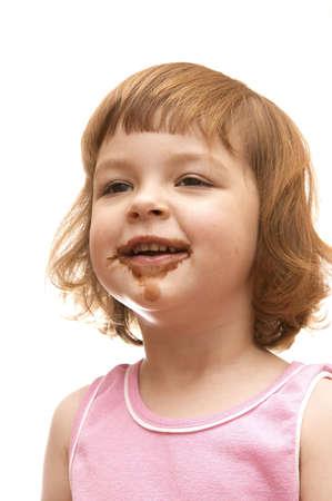 chocolate ice cream: jolie petite fille de manger la cr�me glac�e au chocolat  Banque d'images