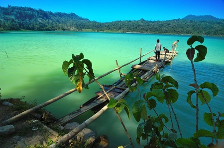 crater lake: Lake Linow, a changing color lake in Tomohon, North Sulawesi, Indonesia