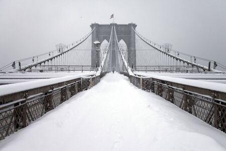 Brooklyn bridge, New York City, Manhattan snow storm February 26 2010