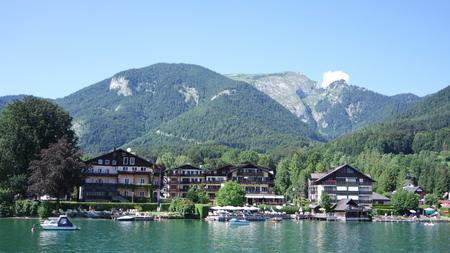 Beautiful austrian houses on the coast of the lake Reklamní fotografie