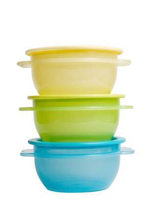 흰색 배경에 격리 된 tupperware 같은 플라스틱 식품 용기 스톡 콘텐츠