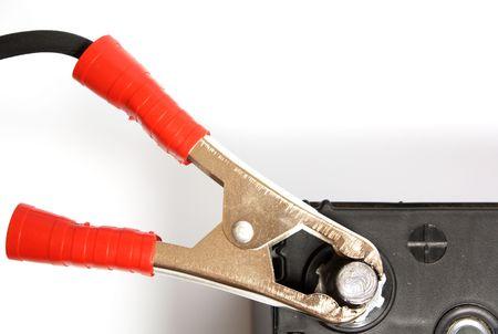 Cable de puente conectarse a además de ponerse en contacto con acumulador de coche  Foto de archivo - 6526153