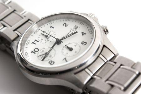 de pols horloges geïsoleerd op witte achtergrond