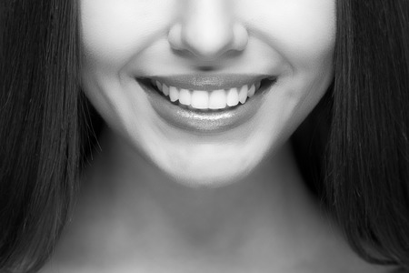 white teeth: Beautiful woman smile. Teeth whitening. Dental care.