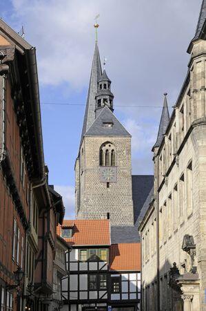 fachwerk: benediktikirche in quedlinburg Editorial