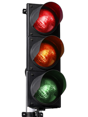 semaforo isolato su sfondo bianco