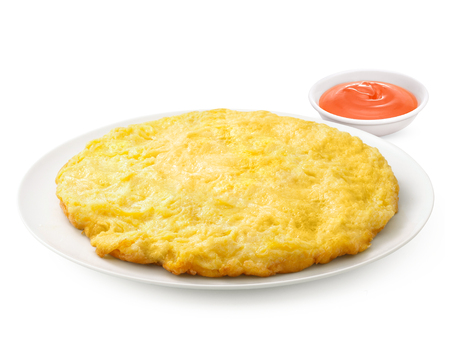 Thai omelette on white plate on grey background have Chili sauce Imagens