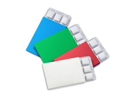 Packung Kaugummi isoliert auf weißem Hintergrund