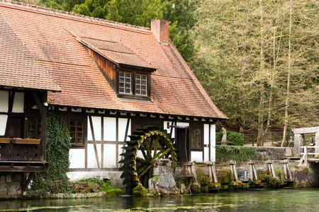 watermill: Molino de agua