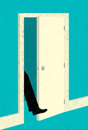 문 앞에 발을 들여 놓기.