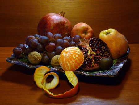 garnets: Autumn gifts orchards. Still life.