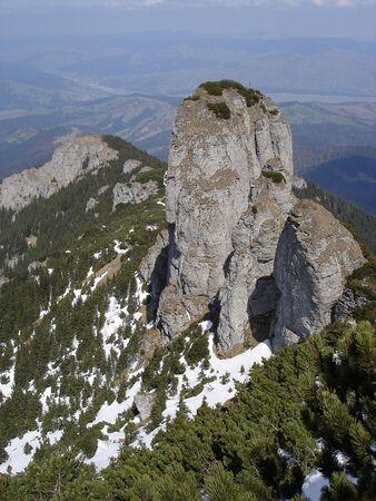 Weergave van Panaghia top en daarna in Ceahlau-massief