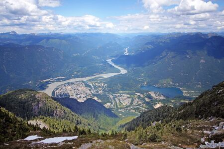 fraser: Town of Hope at the confluence of Fraser and Coquihalla Rivers in British Columbia, Canada.