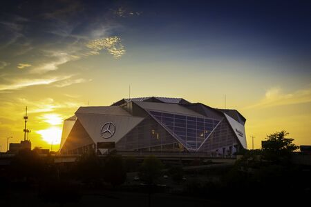 ATLANTA, GA - September 29, 2018: Mercedes-Benz Stadium on September 29, 2018 in Atlanta. Mercedes-Benz Stadium is the home of the Atlanta Falcons NFL team and holds the record for the world's largest halo board. 報道画像