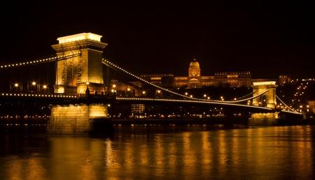 부다페스트, 헝가리에있는 세 체니 체인 브리지 스톡 콘텐츠