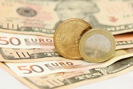 dolar: Dólar contra el Euro