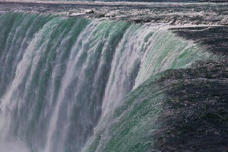 Massive Niagara Falls in Ontario, Canada Imagens