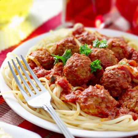 ajo: abundante cena de espaguetis Foto de archivo