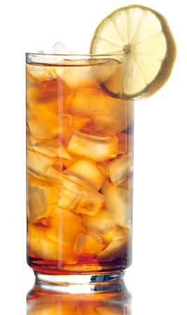 白で隔離される凍らされた茶