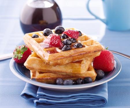 waffles: gofres de ar�ndanos con fresas