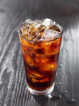 Vaso de refresco de cola con hielo Foto de archivo - 15399794