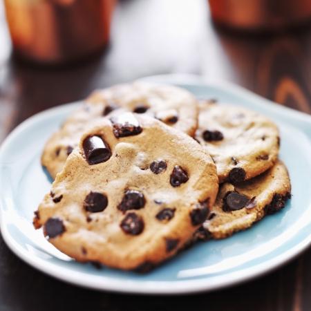 plaat van chocolade chip cookies Stockfoto
