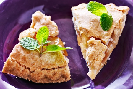 apple pie with mint garnish close-up Stock Photo - 21957427