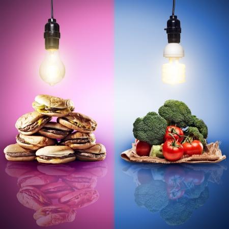 정크 푸드: 식품 개념은 대조 음식과 함께 촬영