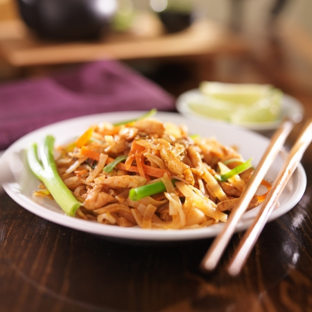 pad thai with chicken dish photo